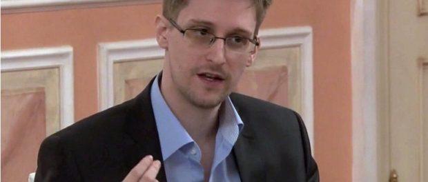 Дании Сноудена ожидал самолет правительства США